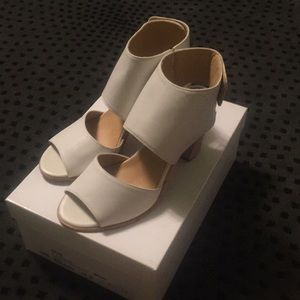 275 Central Lea Two Piece Heel Sandal 37